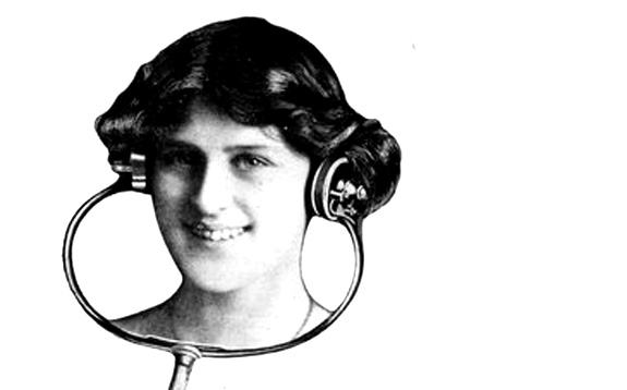 woman-using-electrophone
